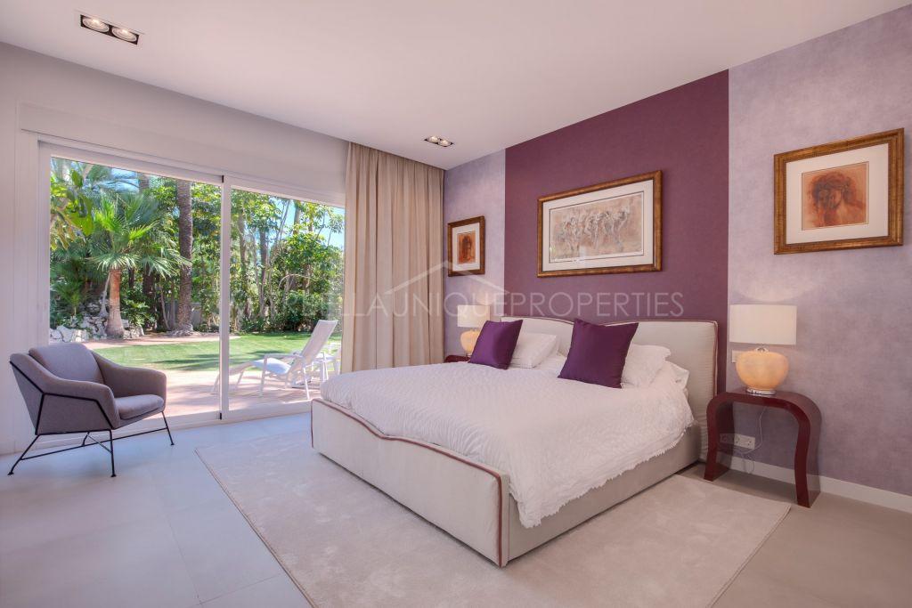 An elegant Miami style residence in Guadalmina Baja