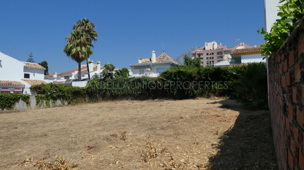 A fantastic plot right in Marbella centre