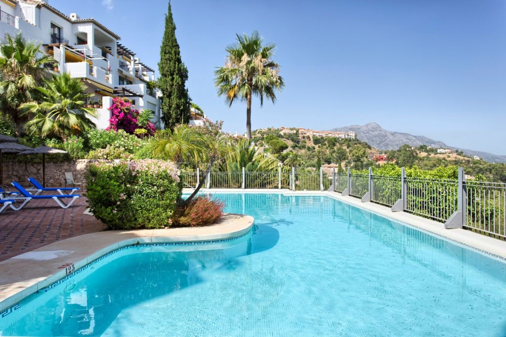 Ground Floor Apartment for sale in Benahavis