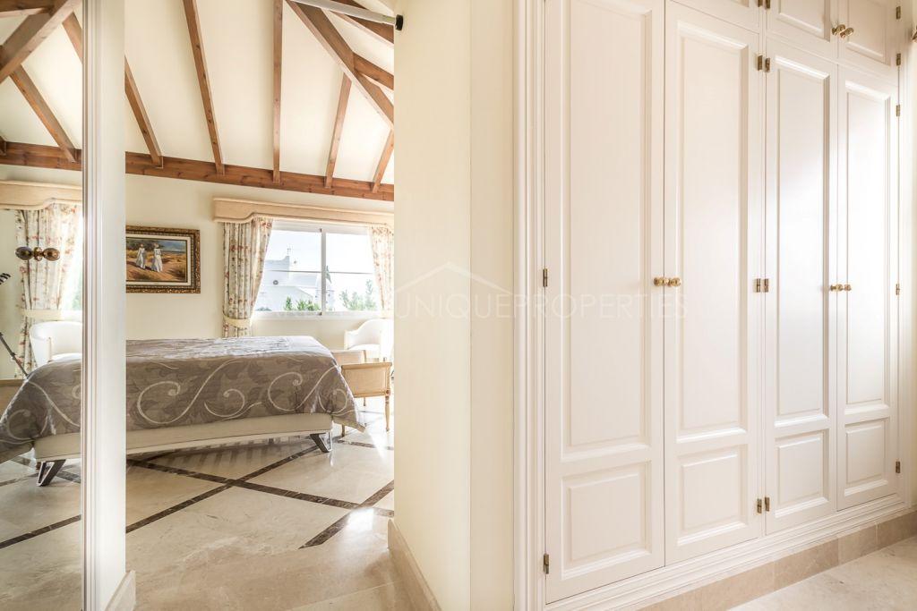 An impeccable 5 bedroom beachside villa in Bahia de Marbella
