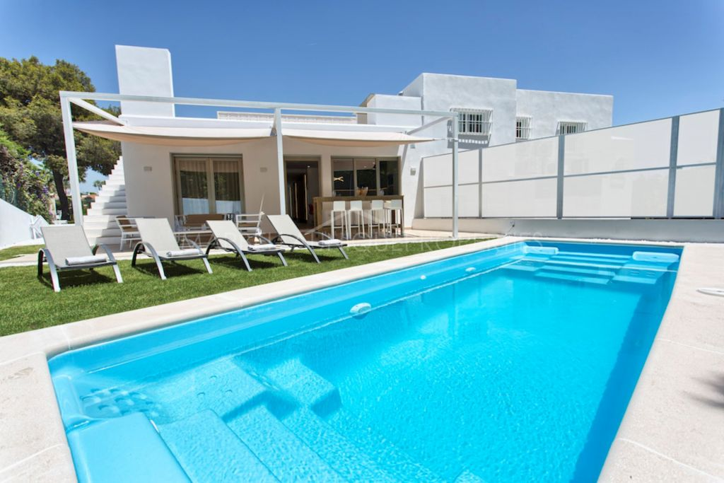 Fully refurbished 4 bedroom villa in Nueva Andalucía