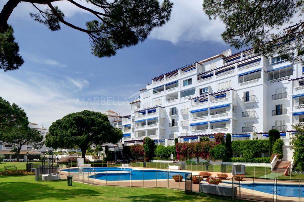 5 bedroom beach apartment in Playas del Duque, Puerto Banus