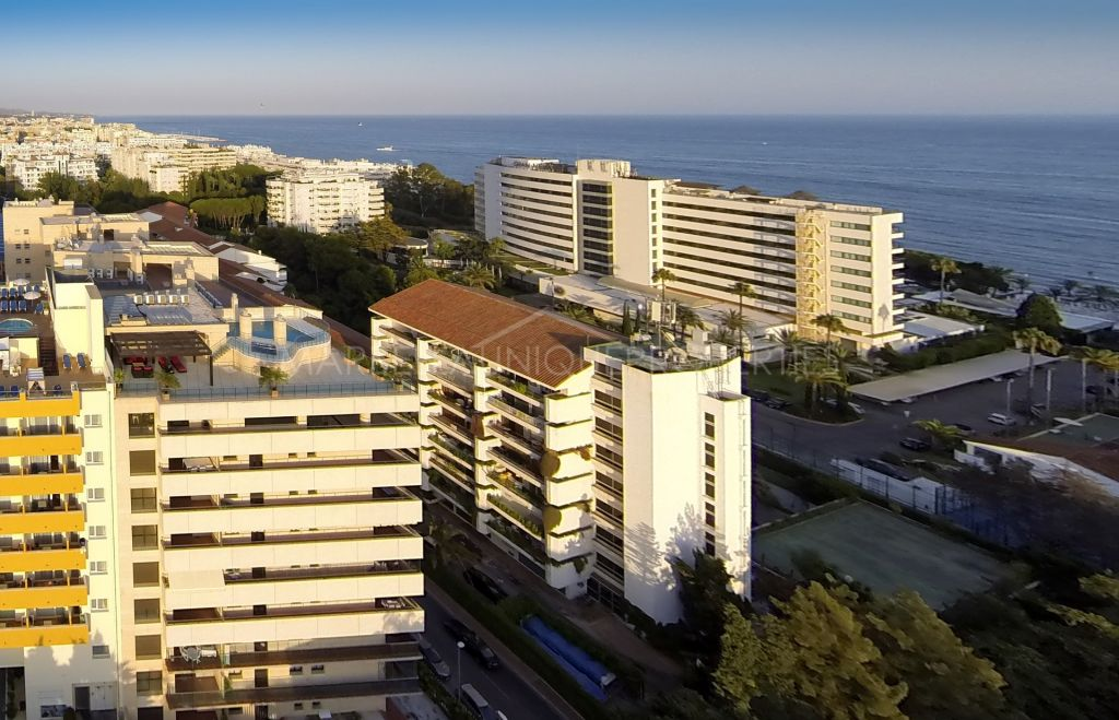 Fantastic penthouse apartment with unbeatable views in Marbella town centre