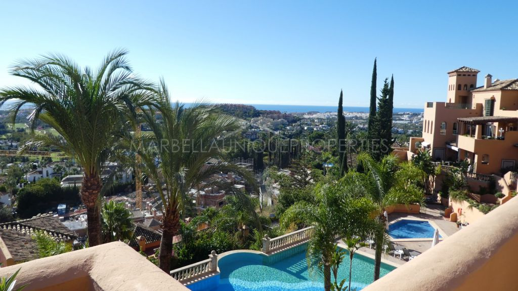 Duplex Penthouse for sale in Nueva Andalucia