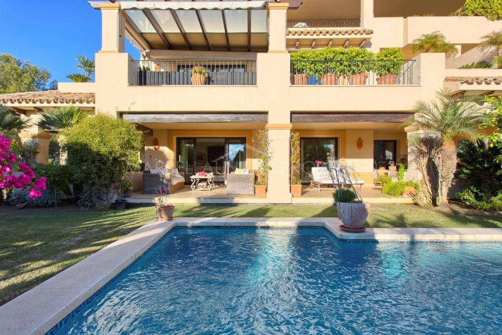 A luxury 3 bedroom ground floor apartment in Aloha Park