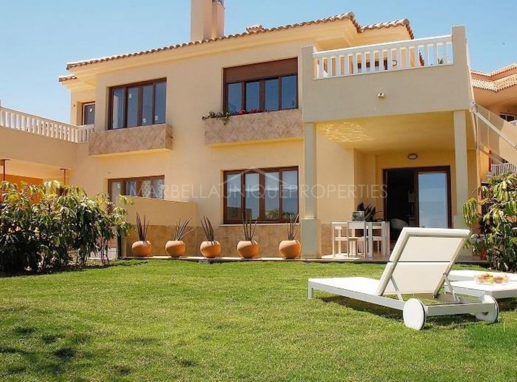 Stunning semidetached 3 bedroom property in La Reserva del Higuerón