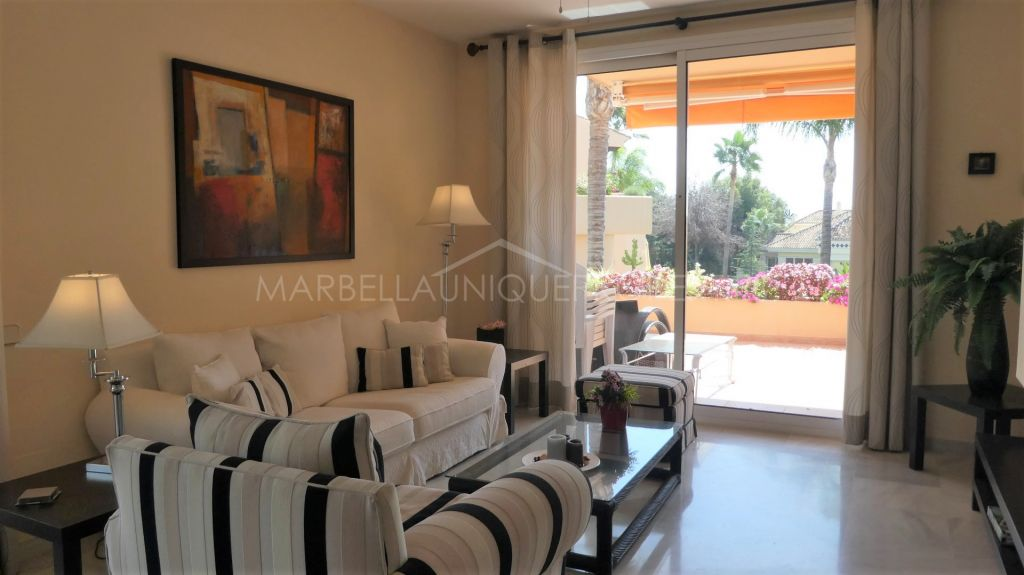 An immaculate 2 bedroom apartment in Sierra Blanca