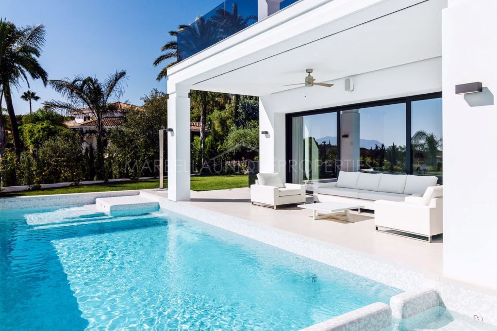 A spectacular high tech villa in Rocio de Nagueles