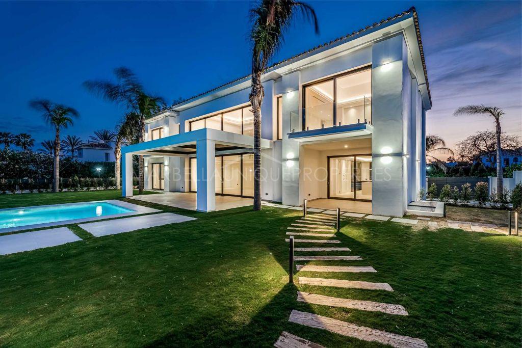 A brand new modern beachside villa in Casasola