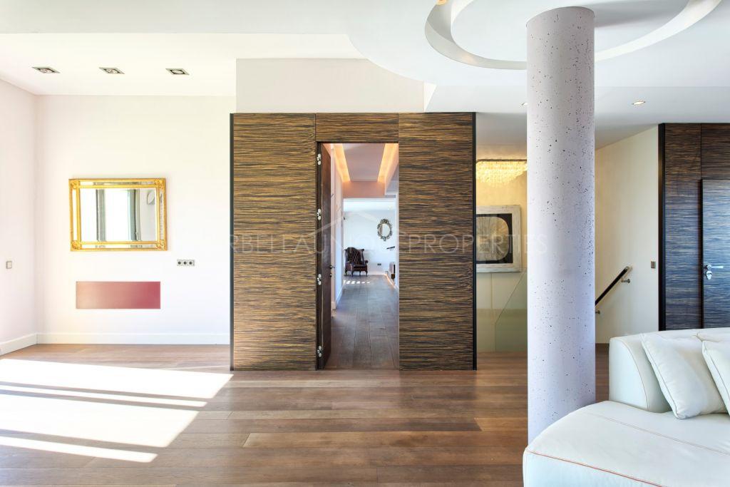 A stunning duplex penthouse with panoramic views in Calanova Golf, Mijas