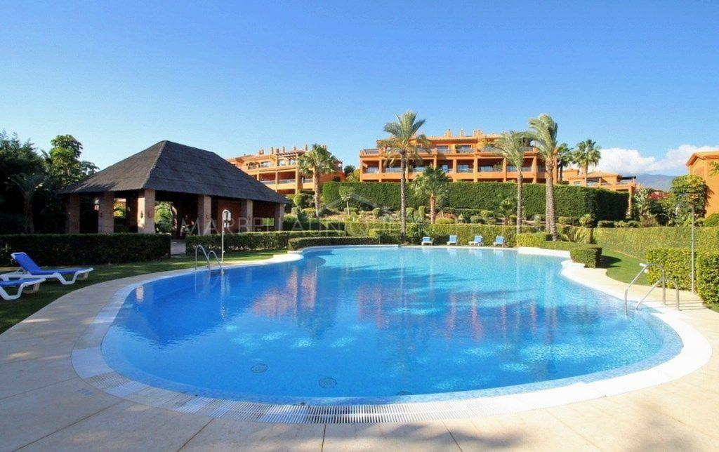 Apartamento Planta Baja en alquiler en Benahavis