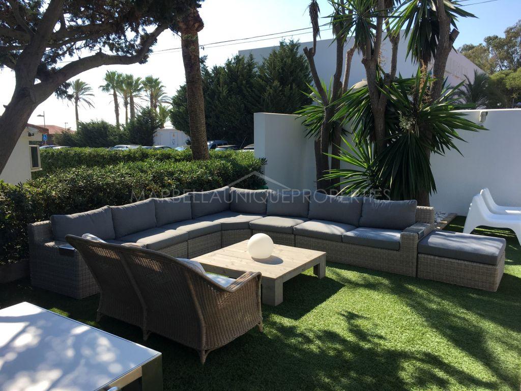 Villa de 3 dormitorios lado playa en Elviria Playa