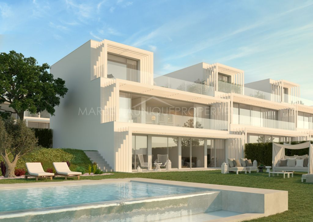 Semidetached villa with four bedrooms at Sotogrande