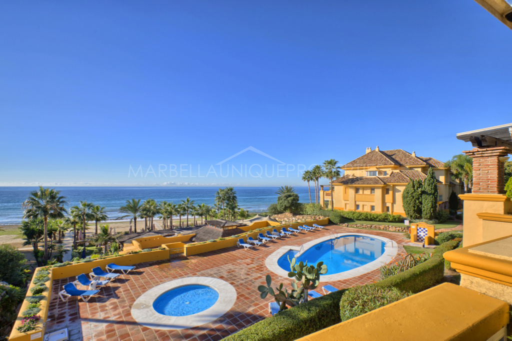 Beautiful beachfront large property for rent in Rio Real Playa, Marbella East.