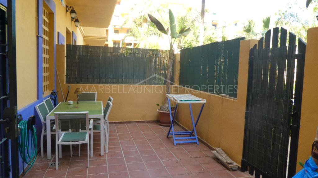 A modern 2 bedroom ground floor apartment in Nueva Alcantara