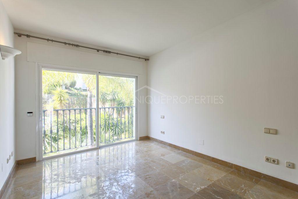 Duplex Penthouse en vente à Lomas de La Quinta, Benahavis