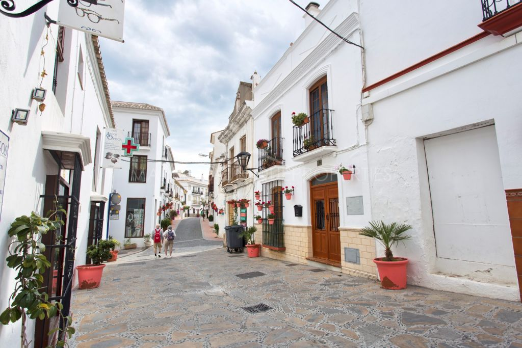 Charming townhouse recently renovated in Estepona center