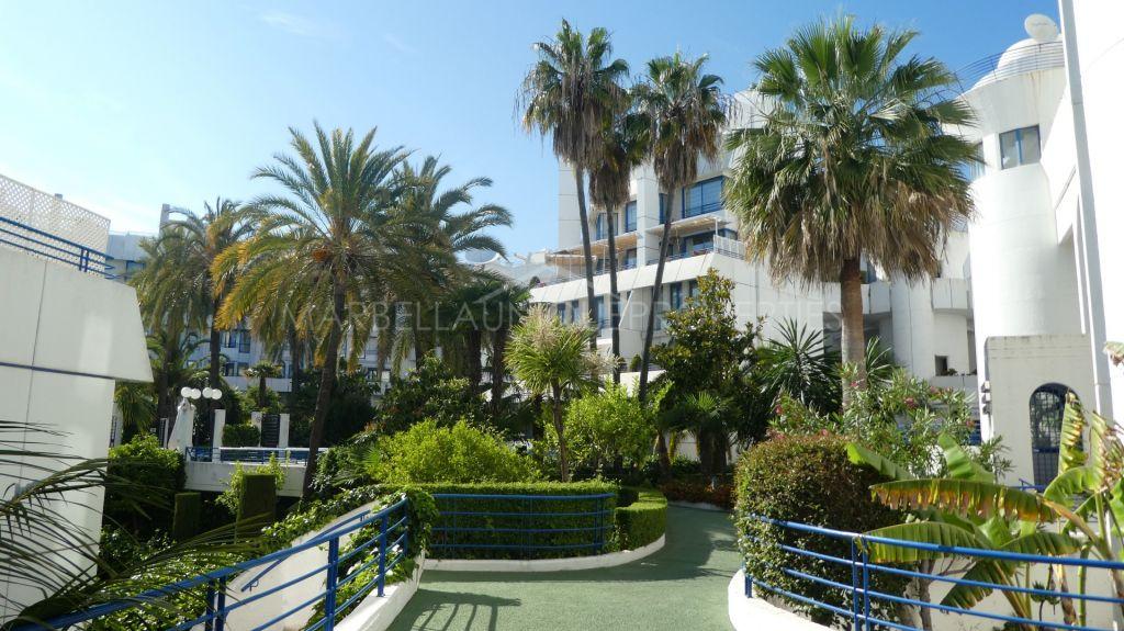 Impresionante ático tríplex con vistas al mar en Marbella centro