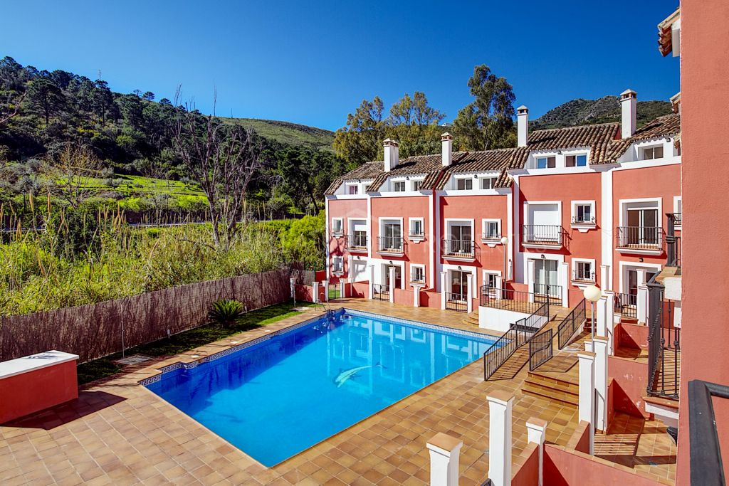 Beatiful townhouses for sale in Benahavis