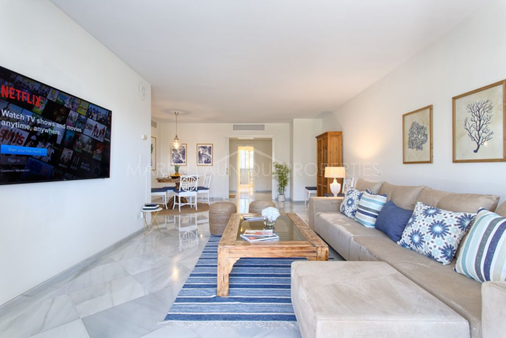 Stunning  3 bedrooms apartment  in  Los Granados,  firstline beach in Puerto Banus
