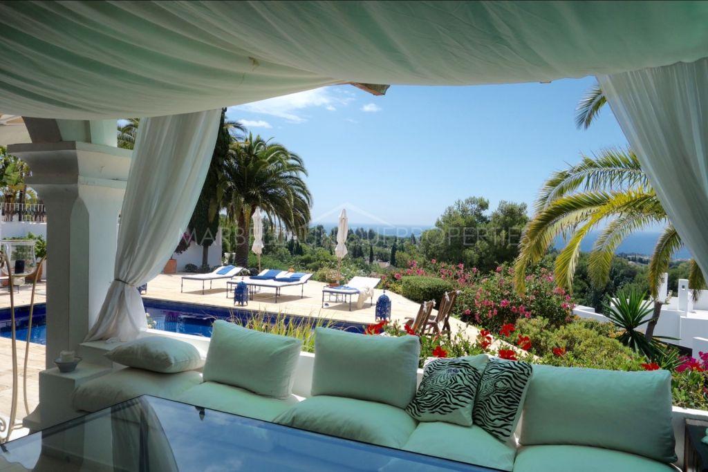An elegant 4 bedroom hilltop villa in Marbella Hill Club