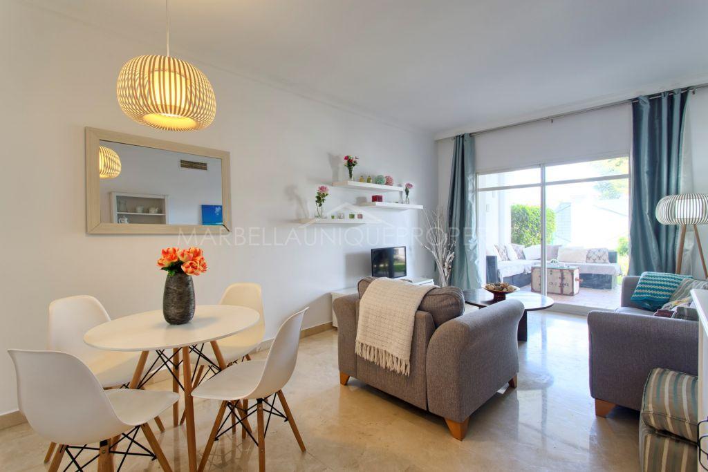 Refurbished 2 bedroom ground floor apartment in Aloha Gardens