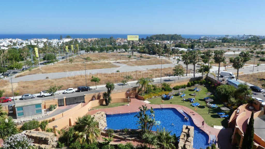 Apartamento de tres dormitorios con vistas panorámicas en San Pedro playa