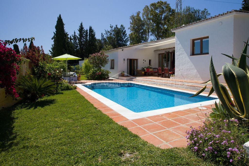 Villa privada de estilo andaluz en la Nueva Milla de Oro