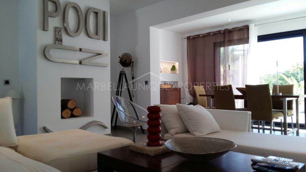 Una espaciosa villa moderna de 4 dormitorios en Sun beach, The New Golden Mile