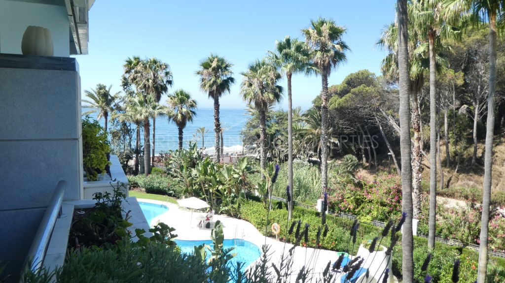 An elegant 2 bedroom apartment in Gran Marbella, The Golden Mile
