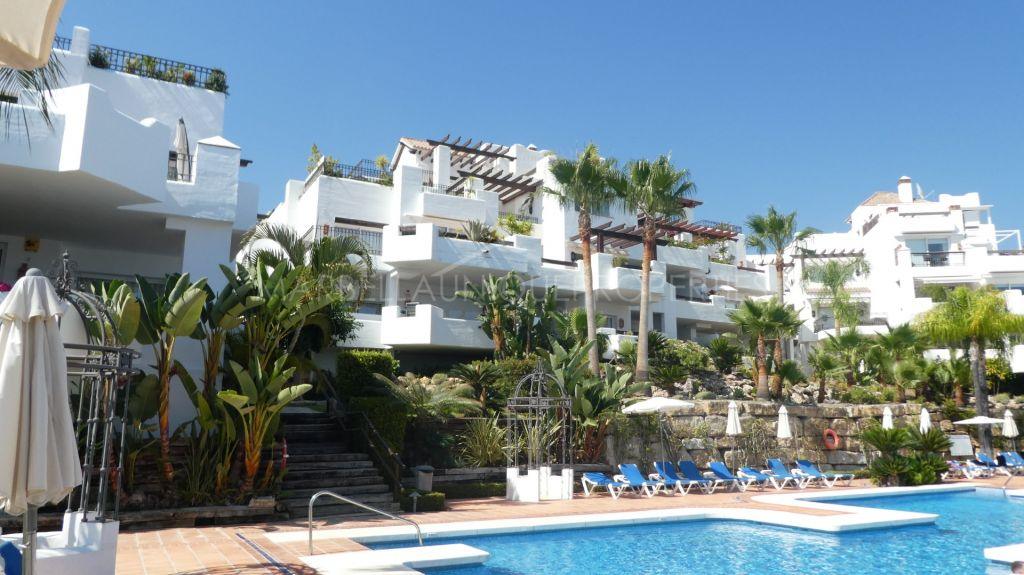 A spacious ground floor 3 bedroom apartment in Las Tortugas de Aloha, Nueva Andalucia