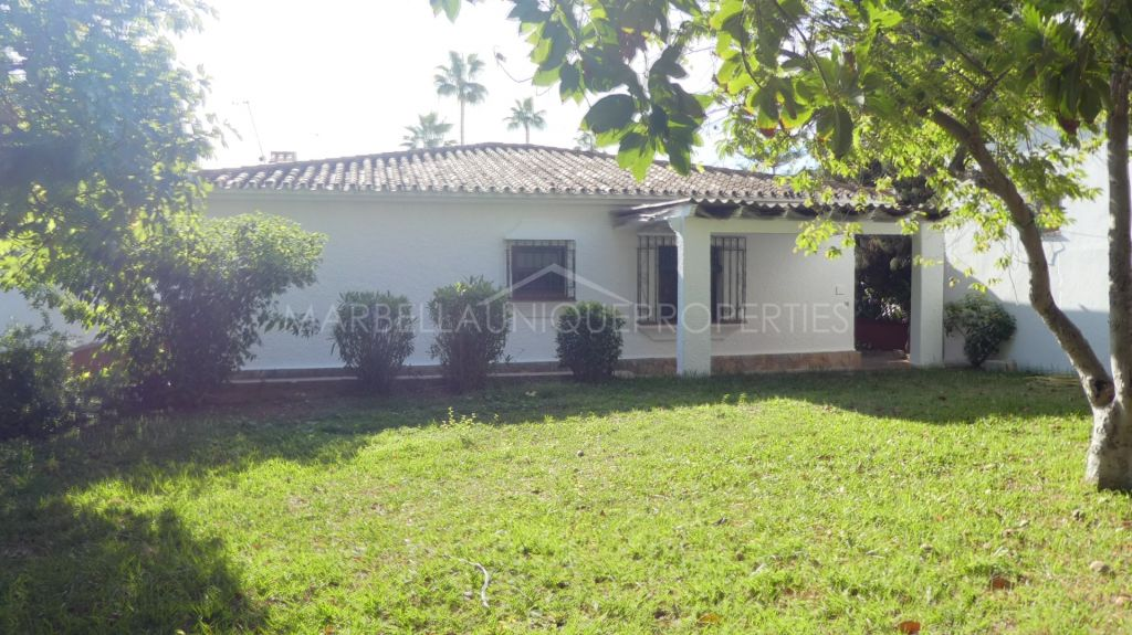Great opportunity to acquire a 3 bedroom villa in Marbella Center