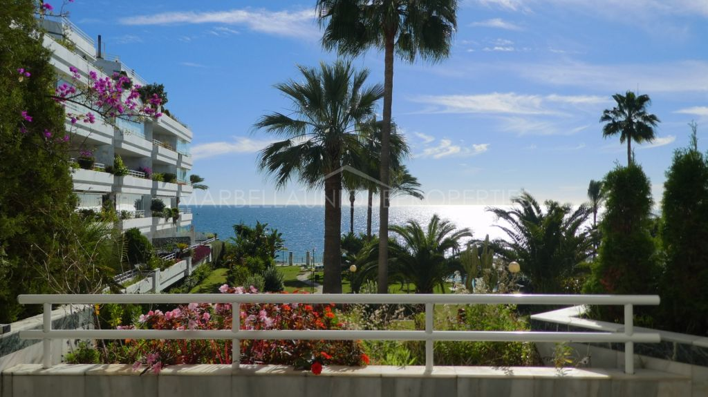Frontline beach 3 bedroom apartment in Playa Esmeralda, Golden Mile