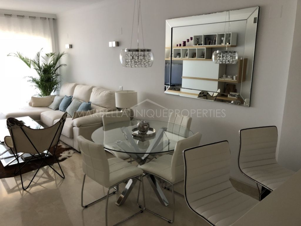 Luminous Apartment with amazing views in Santa María Village, Elviria