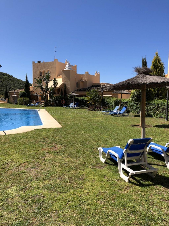 Luminoso apartamento con increíbles vistas en Santa María Village, Elviria.