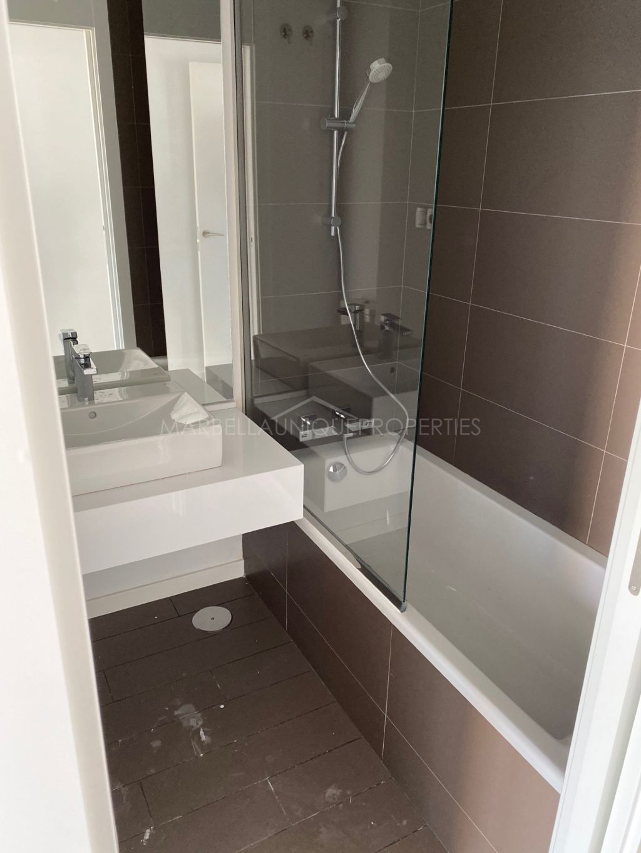 Brand new 2 bedroom apartment in Cancelada, Estepona