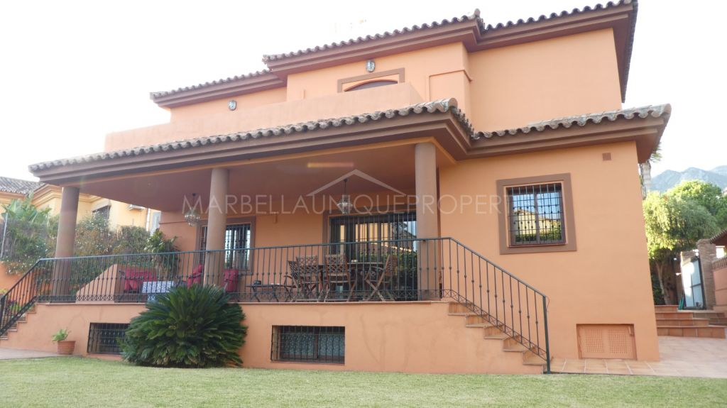 Traditional 5 bedroom family villa in Marbella