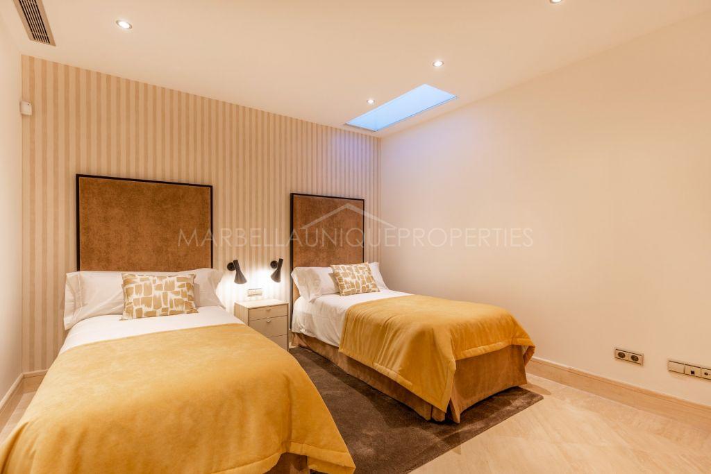 5 bedroom corner townhouse in Sierra Blanca Del Mar