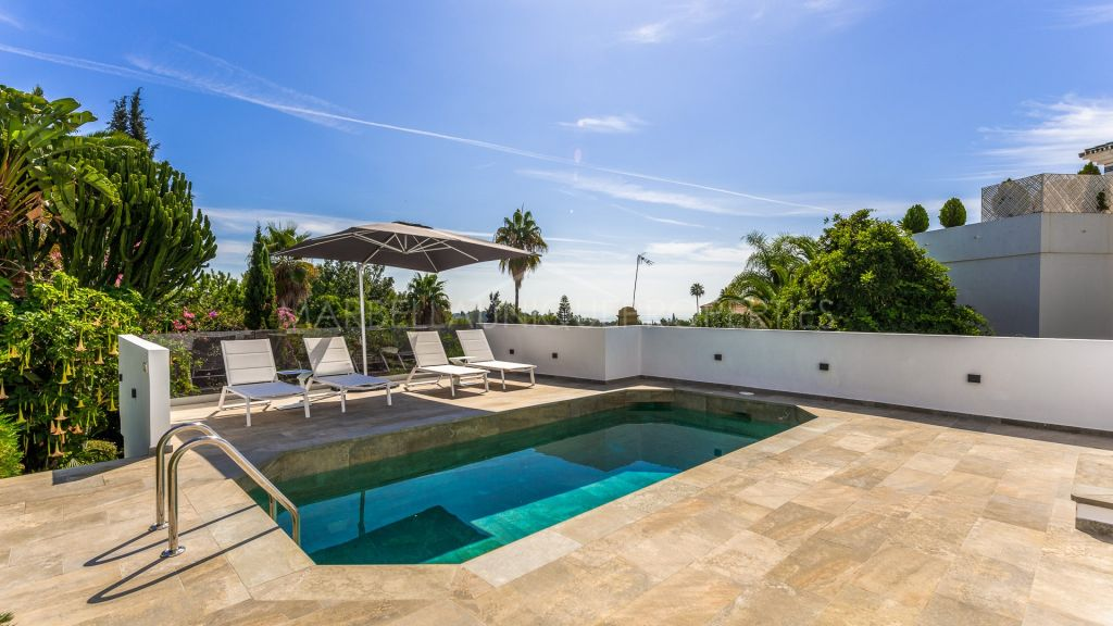 Fully renovated semi-detached villa in Marbella Hill Club