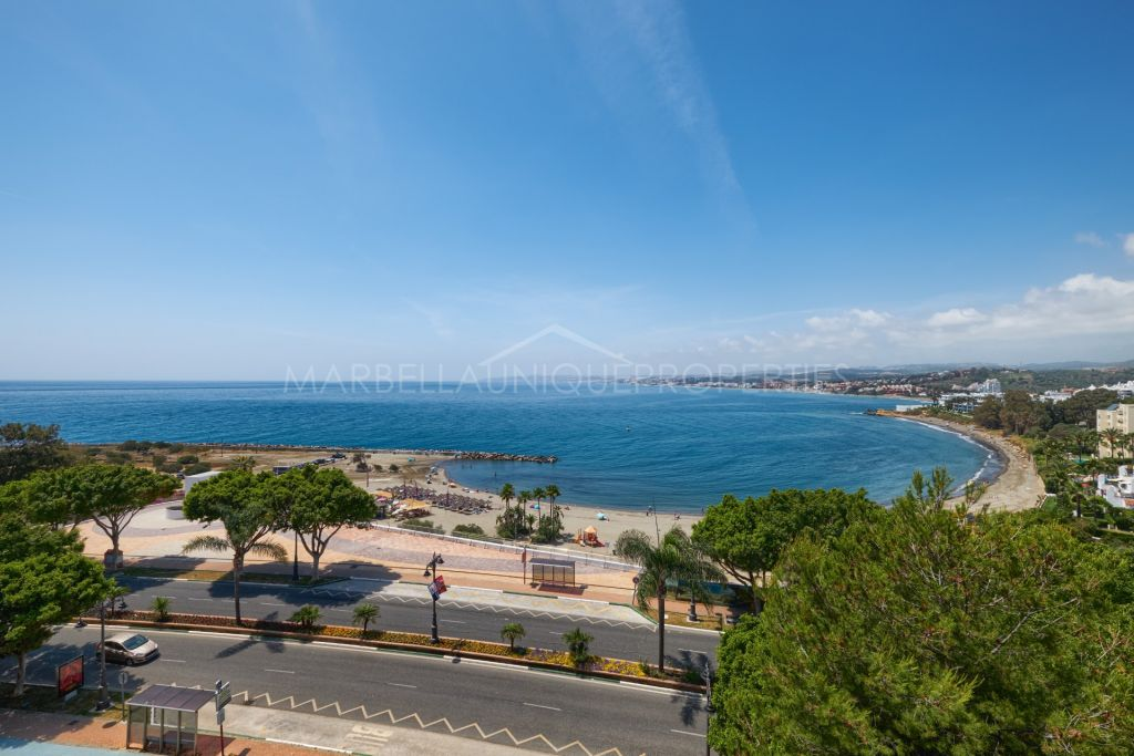 Spectacular sea views from this 3-bedroom apartment in Estepona Port