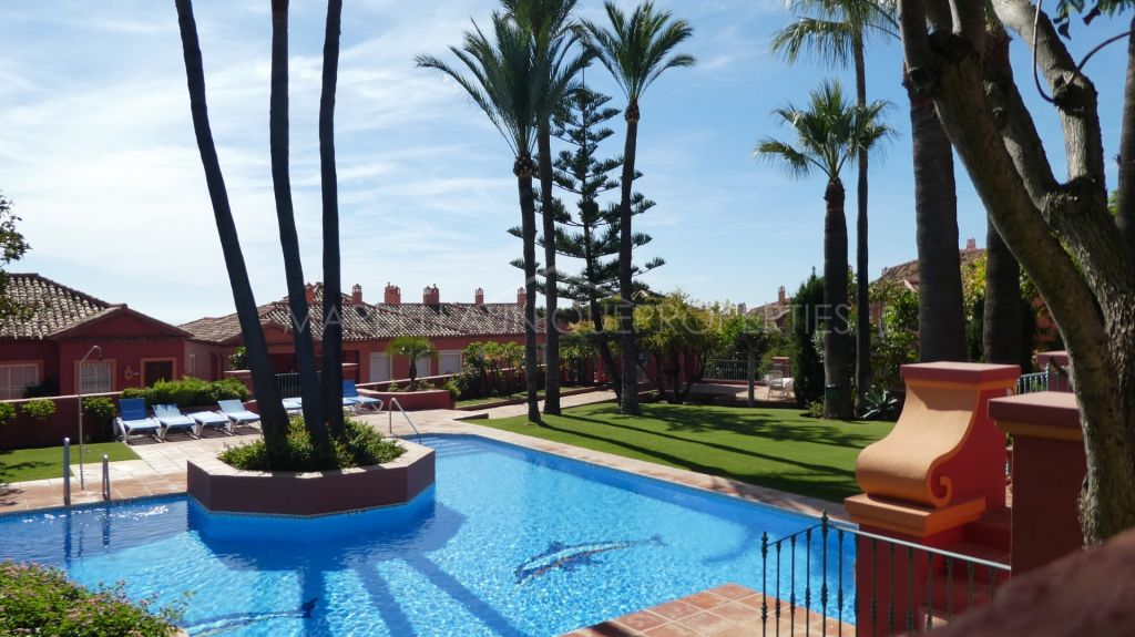 3 bedroom townhouse in Monte Halcones with panoramic views