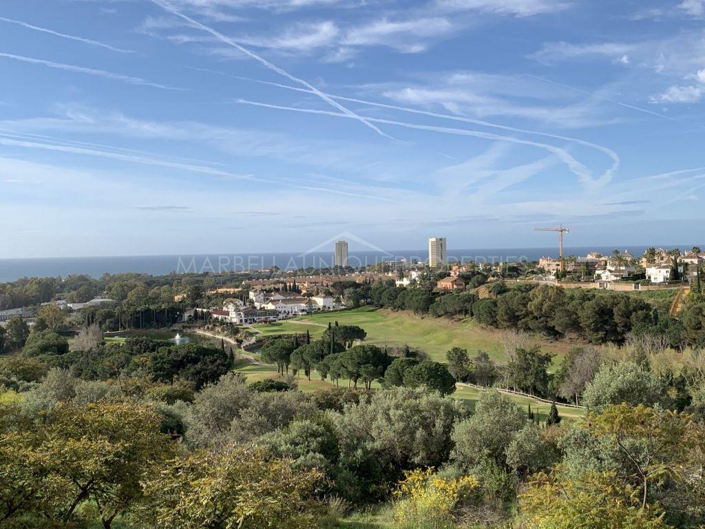 Brand new luxury villa complex, frontline golf in Elviria, Marbella East