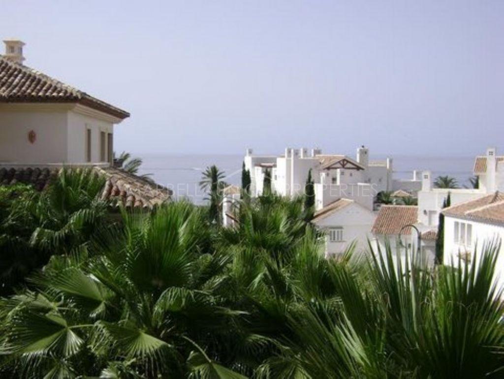 Frontline beach 3 bedroom apartment in Los Monteros Playa