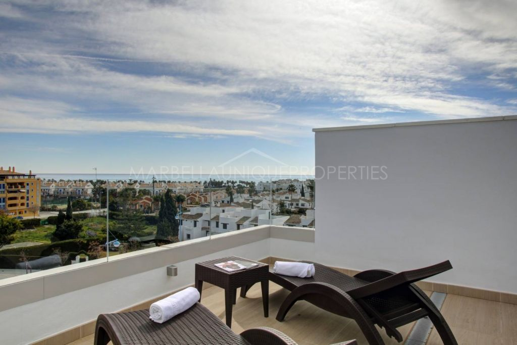 3 bedroom contemporary beachside penthouse in San Pedro