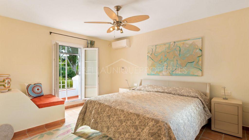 6 bedroom villa in Marbella town center