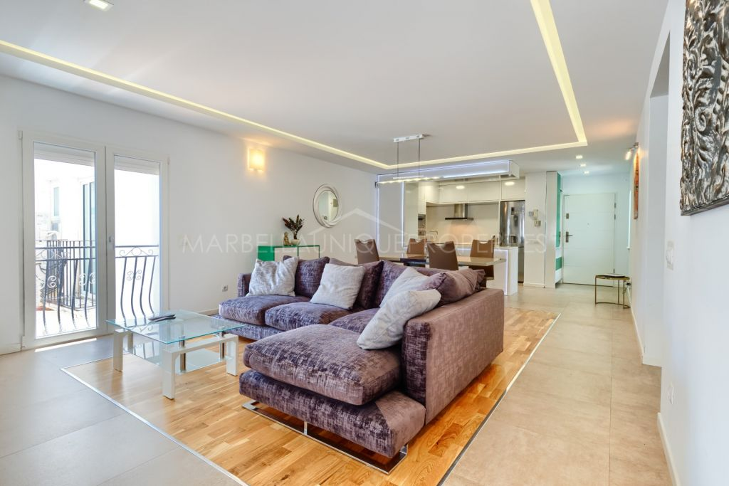 A smart fully renovated apartment in Puerto Banus