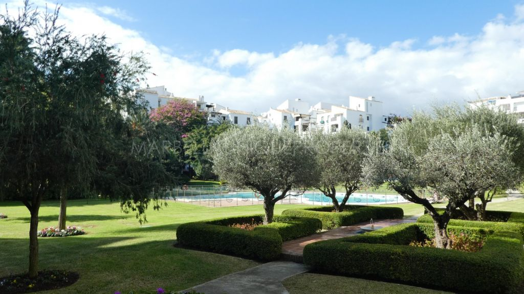 2 bedroom west facing apartment in Jardines del Puerto