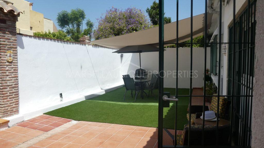 Semi Detached House for sale in El Saladillo, Estepona