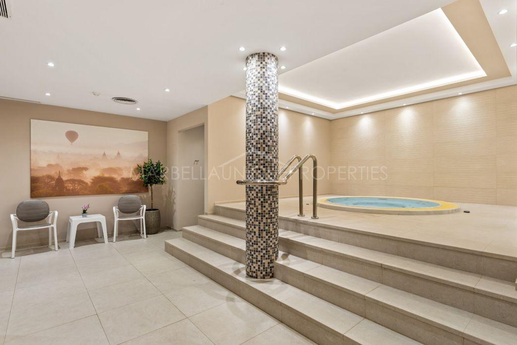 Renovated luxury apartment in Los Granados Golf, Nueva Andalucia