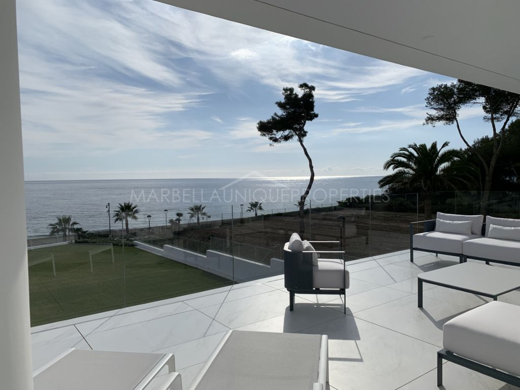 Stunning new frontline beach apartment in Emare, Estepona